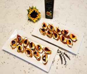 Sunflower beet bruschetta recipe 2 thissunflower beet bruschetta recipe is a perfect summer party appetizer. This colorful, healthytake on the classic bruschettais easy and fast to make. The key to a scrumptious bruschetta is to use high quality ingredients, such asorganic cold-pressedsunflower seed oil, made by america tohkin. This finger food is usually one of the first things completely devoured when i bring it to gatherings. People love a delicious lightsnack.