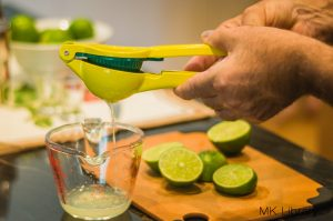 pisco sour recipe squeezing limes
