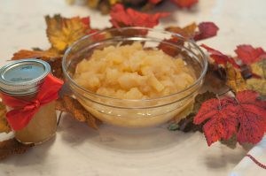 Super Simple Applesauce Recipe 3 This is going to be the most simple applesauce recipe you'll ever encounter. You might wonder what makes this recipe so successful compared to the countless other recipes which use extra ingredients.