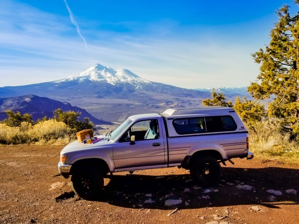Mount Shasta to Crater Lake - Road Tripping and Snow Hiking creminelli