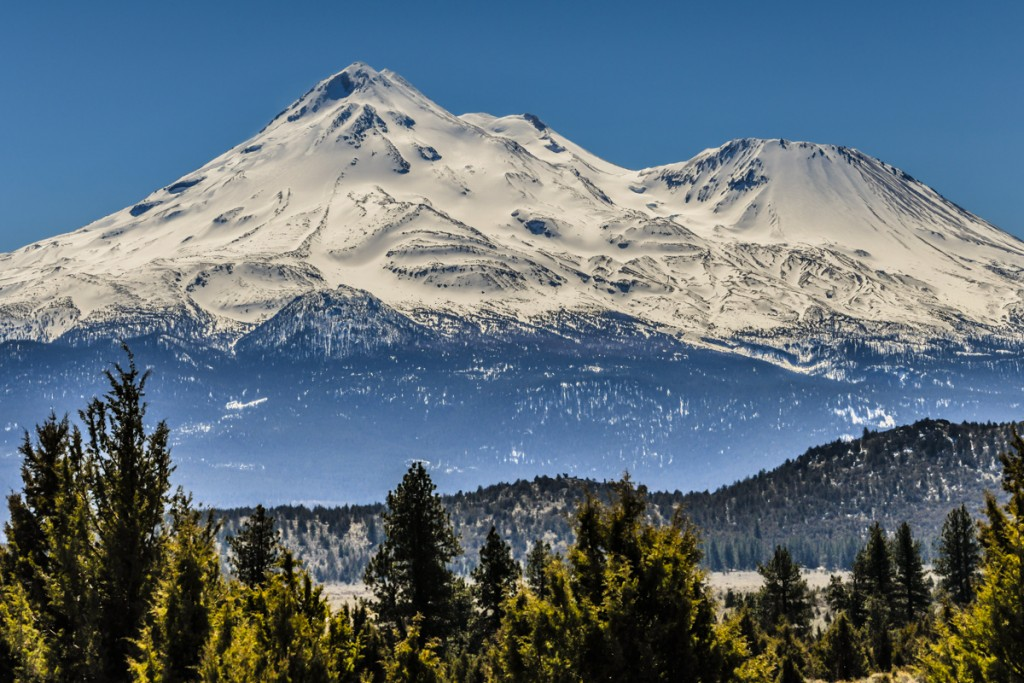 mount shasta crater lake road trip