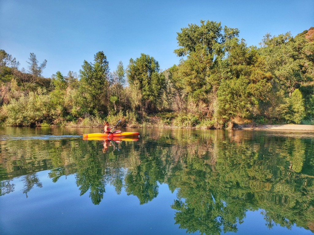 Kayaking Upper Lake Clementine