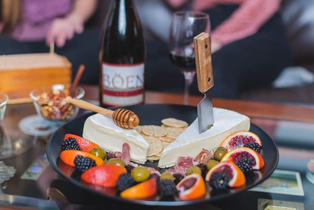 Californian Aperitivo with Böen Pinot Noir 10 The California Aperitivo takes all of the goodness of the traditional Northern Italian Aperitivo and adds localized farm to table fare. Perfect for small g