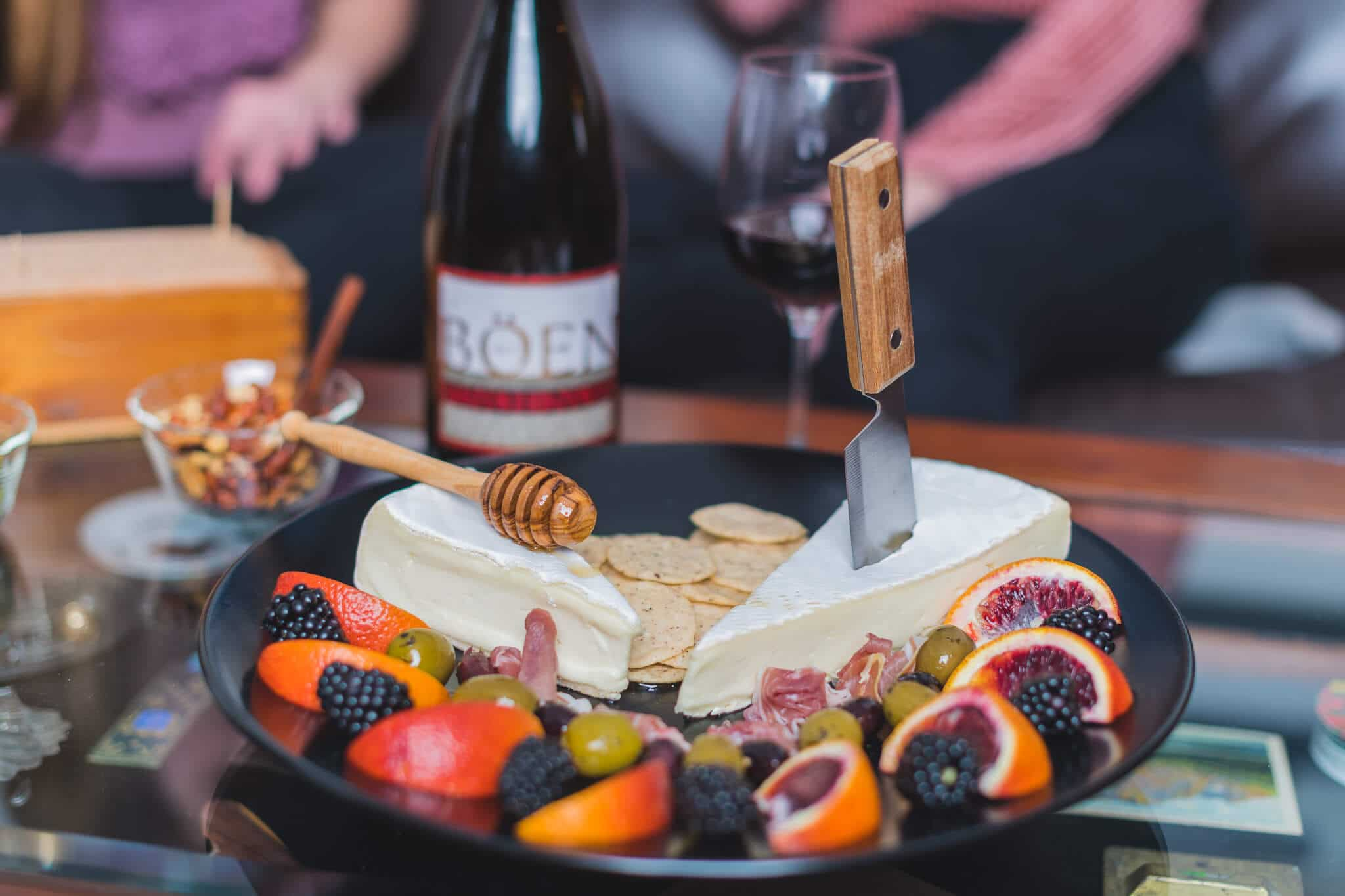 Californian Aperitivo with Böen Pinot Noir 8 The California Aperitivo takes all of the goodness of the traditional Northern Italian Aperitivo and adds localized farm to table fare. Perfect for small gatherings, a plate full of whatever is fresh and in season can be enjoyed before heading out for dinner.