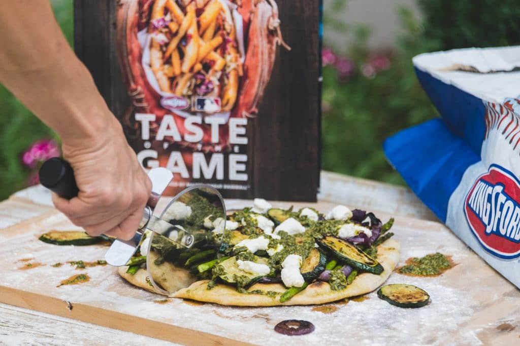 kingsford charcoal taste of the game cutting flatbread