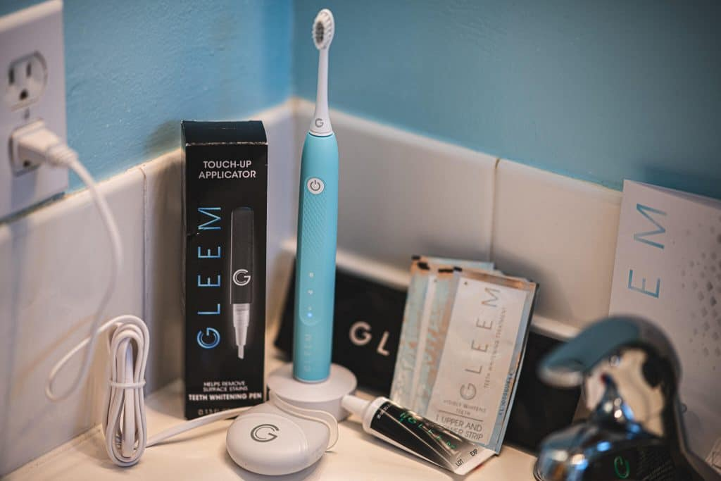 GLEEM Rechargeable Electric Toothbrush featured