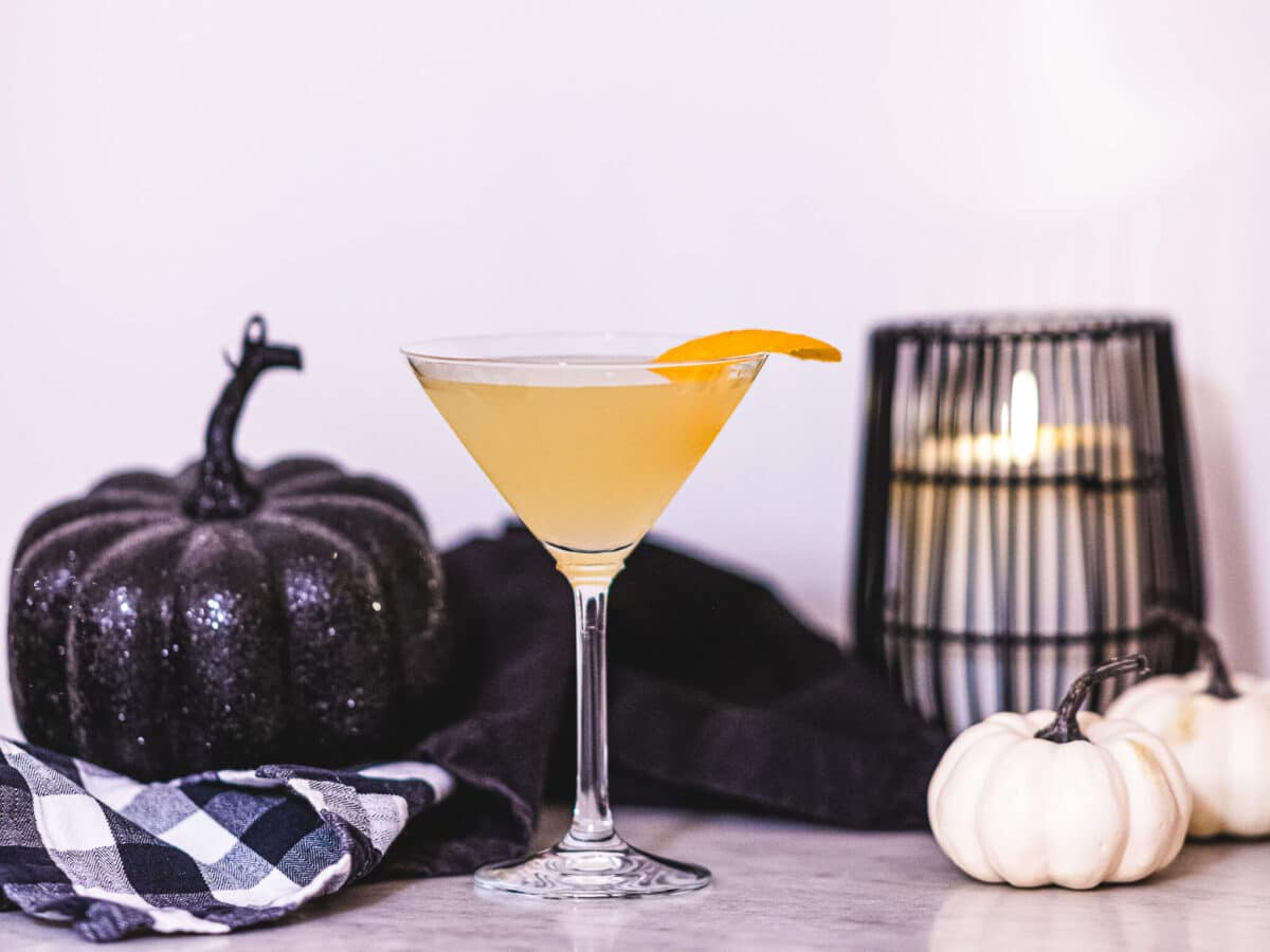 Corpse reviver no 2 cocktail recipe featured