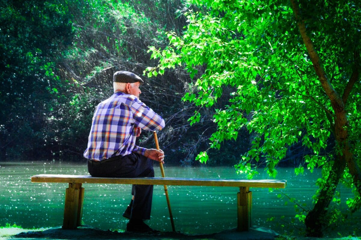 How To Give Your Aging Parents The Comfortable and Happy Life They Deserve