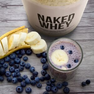 Revitalizing mango-berry protein smoothie featured