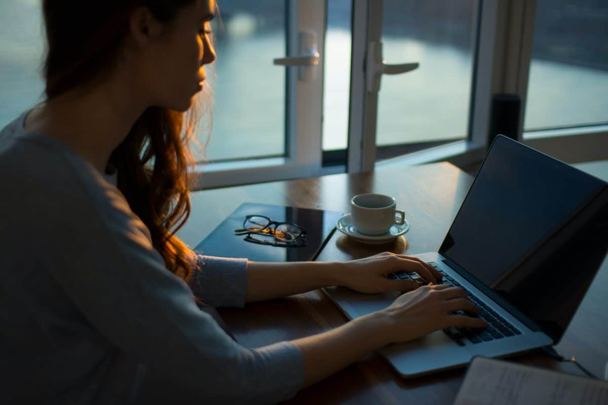 Does online therapy really help? Find out here 3 online therapy is a new and growing trend in the world of mental health. With many people feeling more comfortable sharing through a computer, there has been a rise in online therapy. There are so many benefits to this type of therapy, but does it really help? The answer may surprise you! In this blog post, we will discuss what online therapy entails, how it can be beneficial for your mental well-being and whether or not it helps with your depression or anxiety. Let's get to the details.