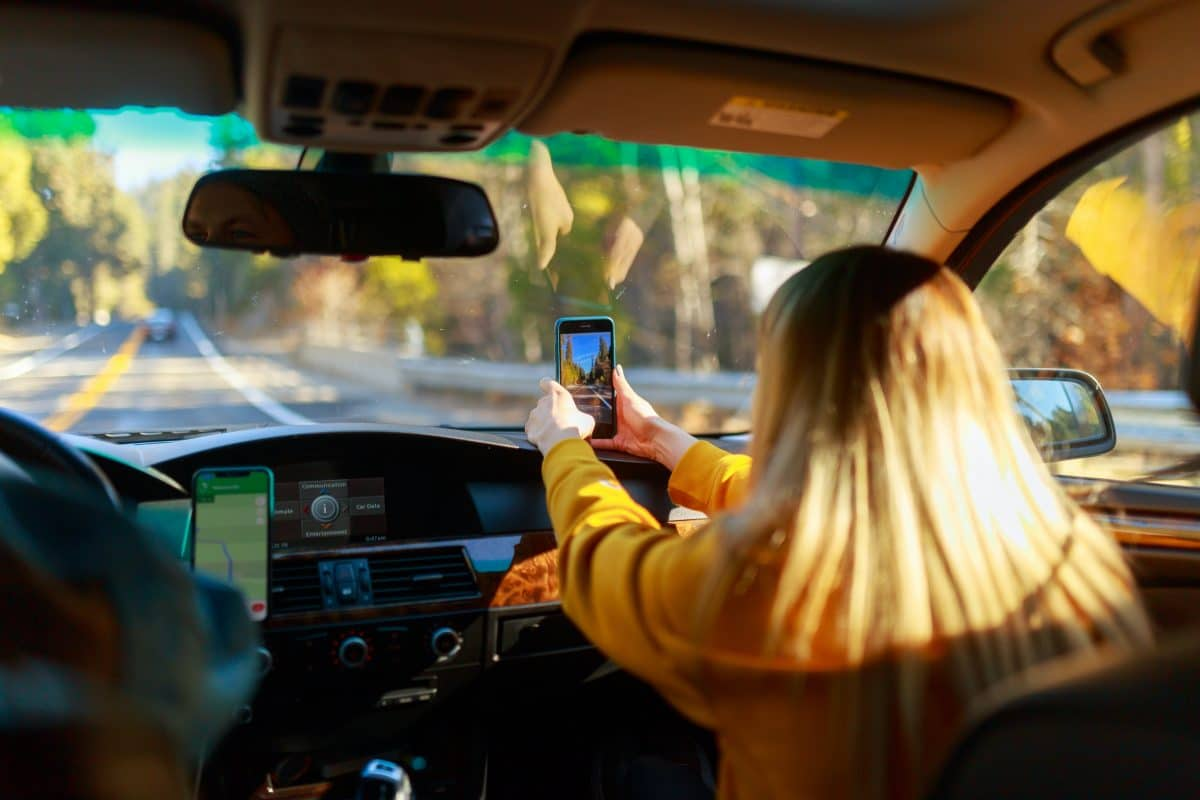 The dangers of driving a car and how to avoid them 2 multitudes of people across the world depend on their cars to get through each day, whether it's for work or personal reasons. Accidents are sadly a fact of life, and car drivers are not exempt from them.